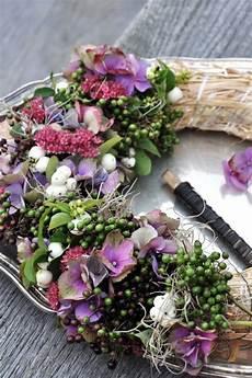 hortensien gesteck selber machen lilies and tulips in season garden crafts herbst