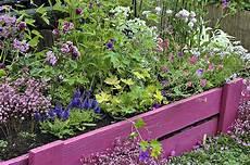 bordure de jardin en bois des id 233 es originales de bordures de jardin bordure