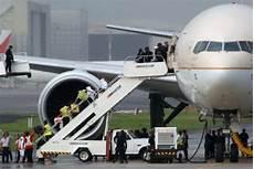 Arab Saudi Buka Penerbangan Siapa Yang Boleh Masuk