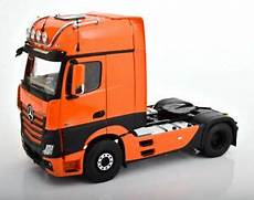 actros facelift 2018 nzg 2018 mercedes actros gigaspace 4x2 facelift orange with lights 1 18 new ebay
