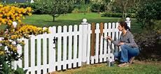 barriere jardin pas cher comment choisir sa barri 232 re de jardin en bois sweety home