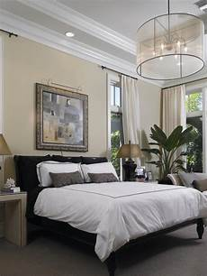 Bedroom Ideas Hgtv by 10 Ways To Display Bedroom Frames Hgtv