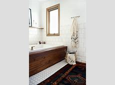 How to Install Wood Planking on a Bathtub   brepurposed