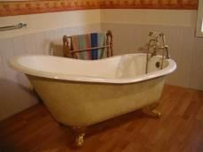alte badewanne renovieren antike freistehende alte badewanne einmalige tolle