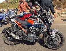 Modifikasi Ktm Duke 250 by 2017 Ktm 250 Duke Spotted Just Days Ahead Of The New Range