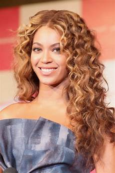 20 curly hairstyles ideas for s the xerxes