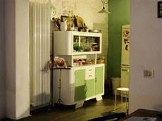 credenze da cucina anni 50 la credenza anni 50 della cucina recuperata e