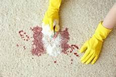 Eingetrocknete Farbe Aus Kleidung Entfernen - rotweinflecken entfernen hilfsmittel f 252 r rotwein auf
