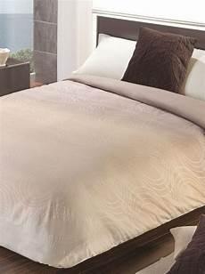 tagesdecke beige manterol tagesdecke beige 200 x 240 cm bettdecke