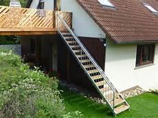 Holztreppe Für Aussen - treppen au 223 entreppen edelstahltreppen innentreppen