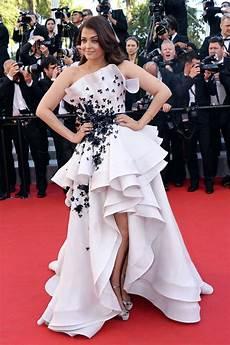Cannes 2015 Aishwarya In Oscar De La Renta And Ralph