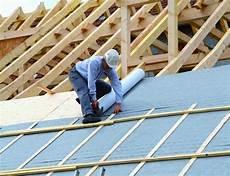 pose ecran sous toiture renovation les 233 crans sous toiture entrent dans le domaine traditionnel