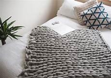 Plaid Diy Tricoter Avec Les Bras Une Couverture Douillette