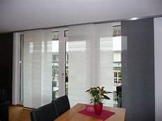 gardinen für wohnzimmer große fenster pin on ideen f 252 r jugendzimmer mit dachschr 228 ge