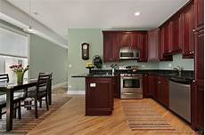 kitchen paint colors for kitchens with dark oak cabinets paint pknmli like the wall color in