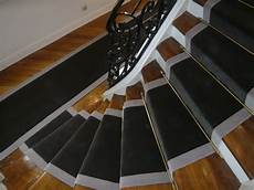 Pose Moquette Escalier Poser Un Tapis Dans Un Escalier Qui Tourne Id 233 E D