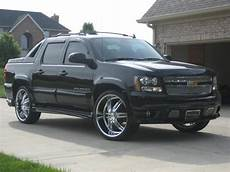 free car manuals to download 2005 chevrolet avalanche 1500 interior lighting chevrolet avalanche workshop and owners manual free download
