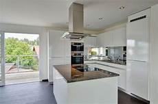 Küche Weiß Modern - offene k 252 che in wei 223 tipps und ideen f 252 r die