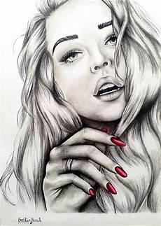 Dessin Femme Sensuelle Et Ongles Rouges Aux Crayons De