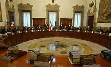 consiglio dei ministri renzi consiglio dei ministri sul tavolo la riforma della