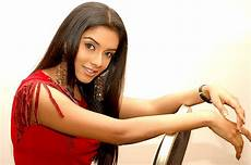 Asin Thottumkal Desktop Wallpapers