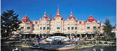 a guide to the hotels in disneyland click go