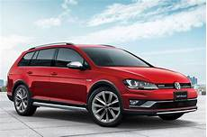 volkswagen golf alltrack launched in japan with 1 8 tsi
