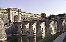 citadelle du ch 226 teau d ol 233 wikip 233 dia