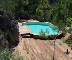 piscine semi enterrée en bois la piscine en bois semi enterr 233 e