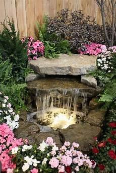kleiner wasserfall im garten wasserfall im garten selber bauen 99 ideen wie sie die harmonie der natur genie 223 en backyard