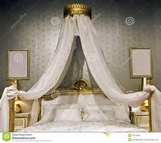 letto a baldacchino antico letto con un baldacchino fotografia stock immagine di