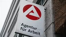 arbeitslosigkeit in berlin steigt leicht auf 10 1 prozent