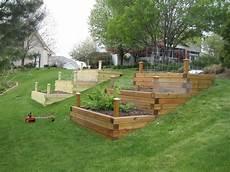 Hochbeet Im Hang Garten Ideen Garten Und Garten Hochbeet