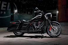 Harley Davidson Cing Gear by 2018 Harley Davidson Road King Special Touring Bike Review