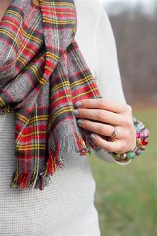 10 fashionable no sew scarves