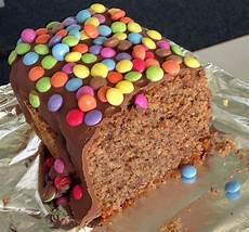 billige kuchen schoko nuss kuchen mit smarties kuchen schoko nuss