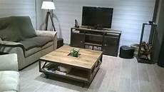 salon au style industriel bois m 233 tal industriel salle