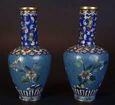 vasi cinesi cloisonne coppia molto raffinata di vasi cinesi antichi decorati in