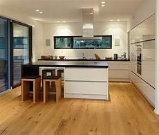 kuche mit moderne k 252 che bilder k 252 chen kitchens interiors and haus