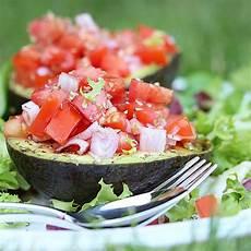 Avocado Rezepte Schnell - gef 252 llte avocado mit oliven 246 l rezept mit bild chefkoch de