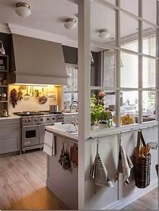 in cucina cucine e pareti vetrate e interni