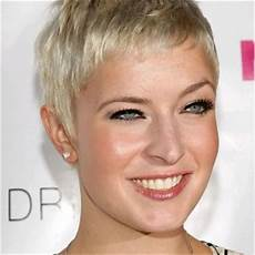 pictures of short hairstyles face thick hair