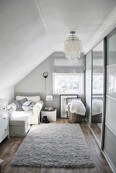 dachboden schlafzimmer ideen elegantes ankleidezimmer in wei 223 er farbe home inspo