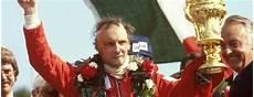 Lauda Zamenjal Pokale Za Brezplačno Avtopranje Svet Hitrosti