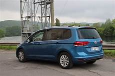 Essai Volkswagen Touran Tdi 115 2017 Contre Vents Et