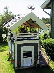 dog house with roof top deck the whoot
