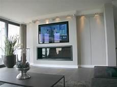 Wohnzimmer Mit Kamin Und Fernseher - kamin unter fernseher wohnen kamin wohnzimmer kamin