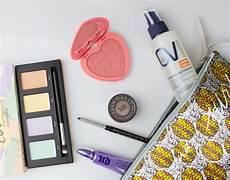 Sachen Die Braucht - 6 sachen die ihr in eurer kosmetiktasche nicht unbedingt
