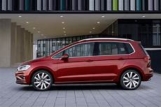 2018 Volkswagen Golf Sportsvan Gets Sharpened Design New