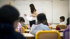 au cours mutations des enseignants le cri d alarme d une